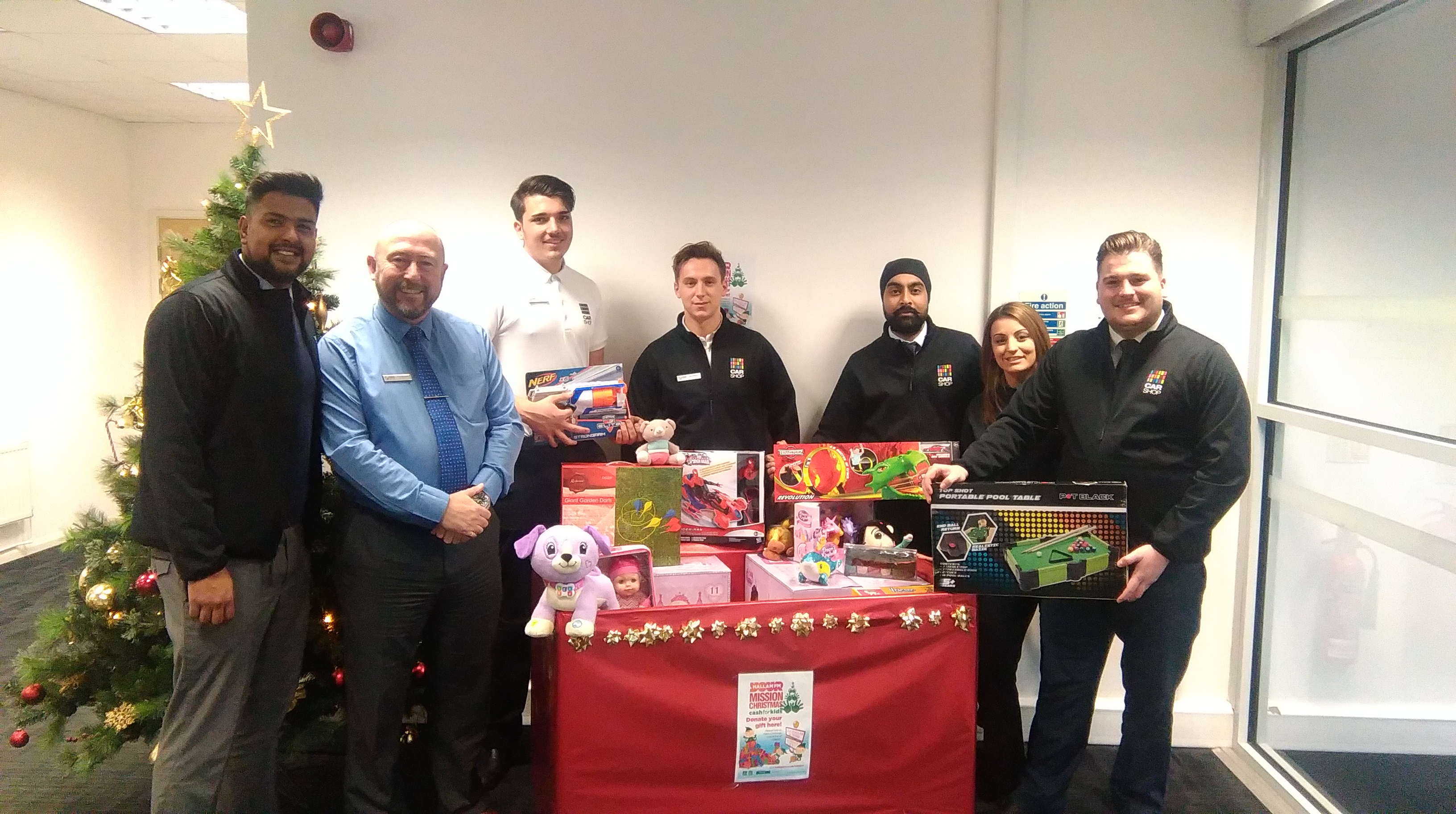 CarShop Doncaster Supports Hallam FMs ?Mission Christmas?