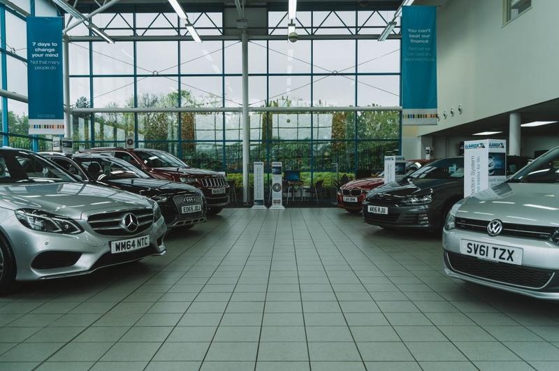 Gareth Goes Places visits CarShop Northampton